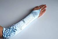 Голубые бальные перчатки 0002