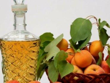 Персиковая водка приготовленная с помощью ароматизатора