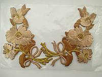 """Аплікація вишивка клейова парна """"Квіти"""" бежево-золотисті, 10 см 1пара"""