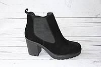 Женские замшевые полусапоги черного цвета, 39 размер