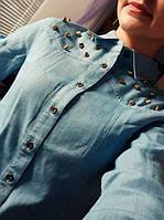 Женская рубашка джинсовая с шипами (синий)