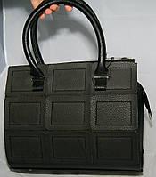 Чёрная матовая каркасная женская сумка Voila (Wallaby) с декоративными тёмно-серыми нашивками