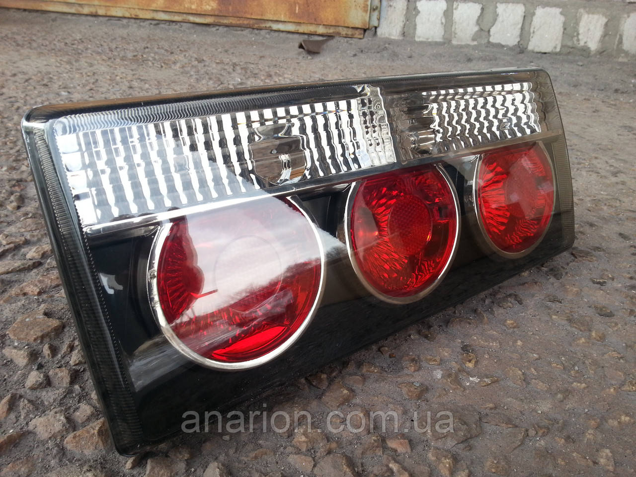 """Задние фонари на ВАЗ 2105 и ВАЗ 2107 """"Блэк"""" №1"""