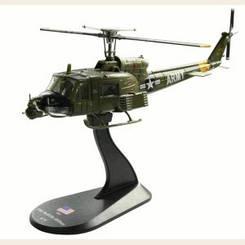 Модель Вертолеты Мира (Amercom) №01 BELL UH-1B в масштабе 1:72