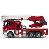03590 Игрушка - большая пожарная машина SCANIA  R-series с лестницей  (водяная помпа + свет+звук), М1:16