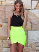 Короткая яркая юбка