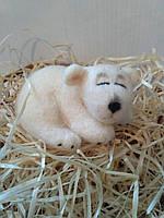 Игрушка валяная из шерсти Спящий Белый Мишка