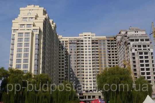 Многоэтажный дом в Буче     Жилой комплекс «Венеция» в Голосеевском районе  Киева