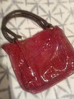 Женская красная лаковая сумка реальные фото