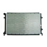 Радиатор охлаждения двигателя Шкода Октавия А5 1,6MPI 2,0FSI