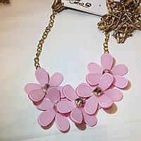 Колье розовое с цветами