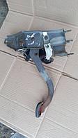 Педаль сцепления Opel Vectra B.