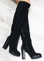 Стильные демисезонные замшевые сапоги ботфорты на каблуке