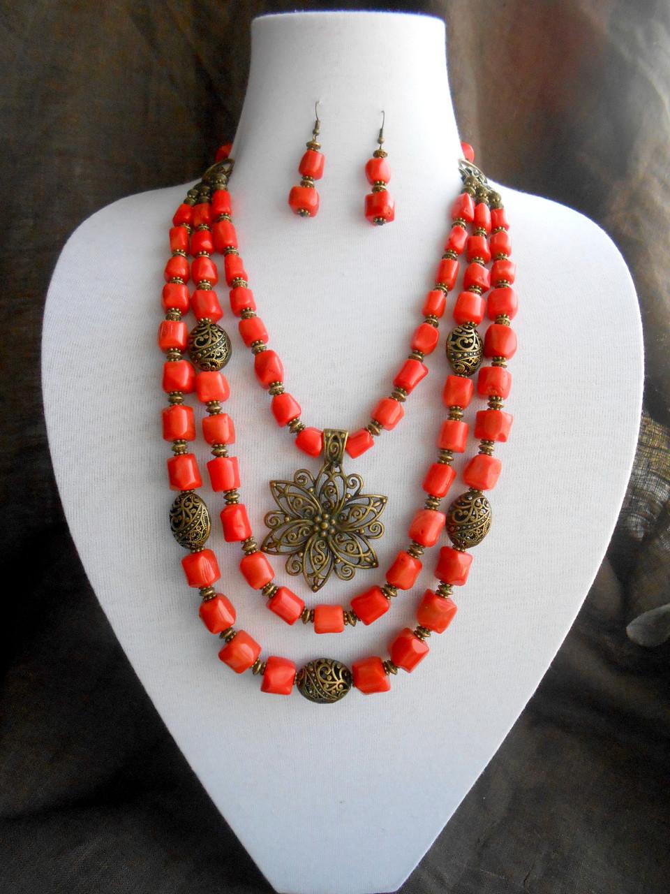 Ожерелье из коралла