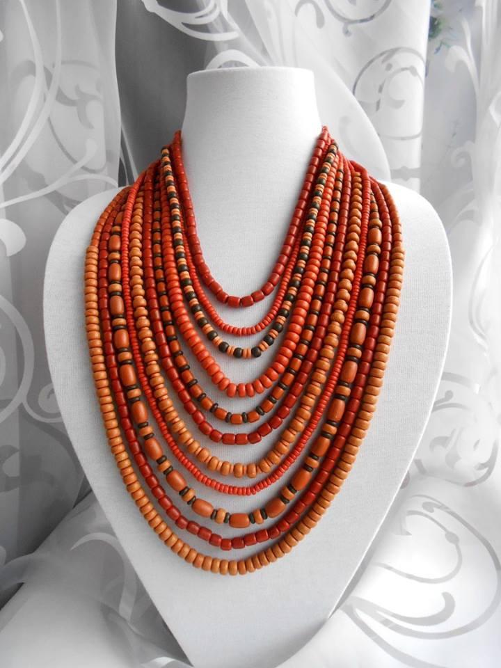 Ожерелье красно-коричневое из керамики