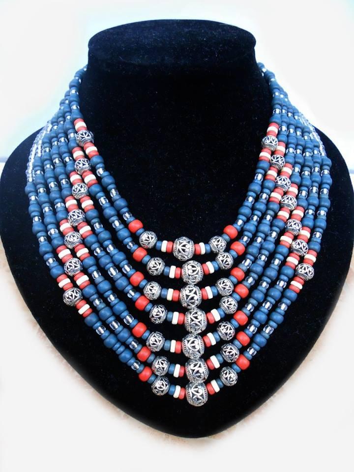 Декоративное ожерелье
