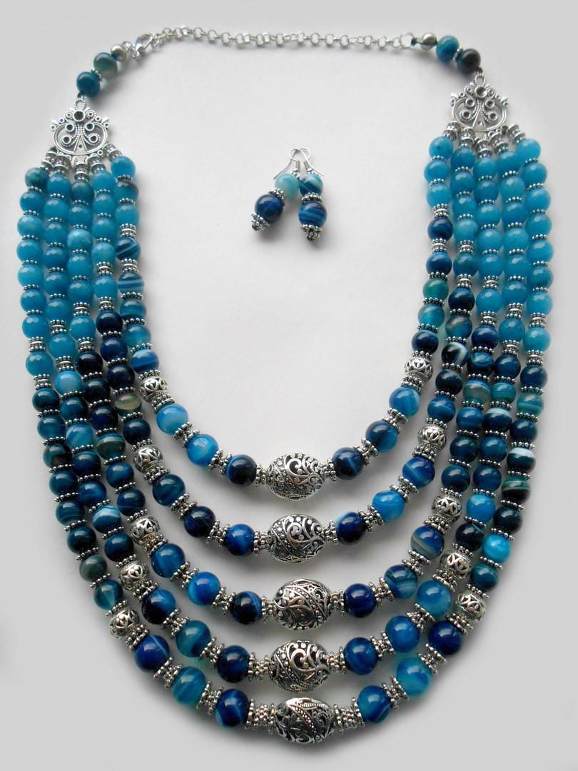 Синие бусы из натуральных камней