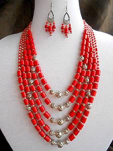 Ожерелье из натурального коралла
