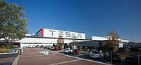 Tesla объявила об остановке производства на неделю