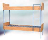 Кровать двухъярусная с лестницей