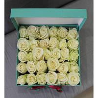 Белые розы 31шт в подарочной коробке!