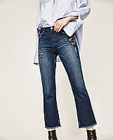 Укороченные джинсы с вышивкой от Zara