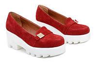 Кожаные женские туфли цвет замша красная
