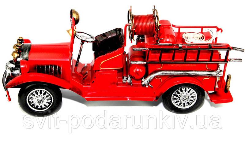 модель пожарного автомобиля