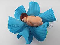 Ребеночек в голубом цветочке