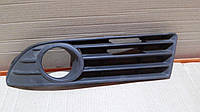 Решетка бампера левая  VW Polo (99-02) 95069911A1
