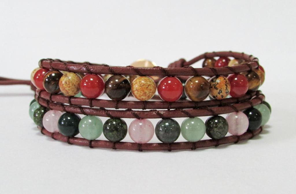 Браслет. 2 оборота. Натуральный камни. Яшма, розовый кварц, оникс, змеевик, сердолик. Натуральная кожа