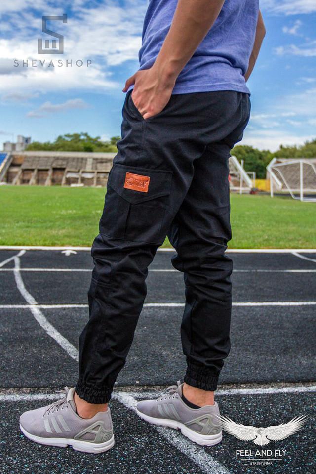 Черные штаны карго