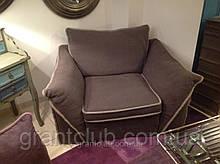 Дизайнерское мягкое современное кресло с контрастным кантом Pitagora фабрика ALBERTA (Италия)