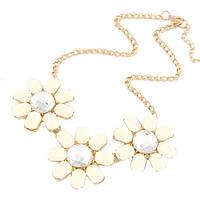 Ожерелье Илона P005152 с белыми цветами