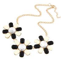 Ожерелье Илона P005150 с чёрно-белыми цветами