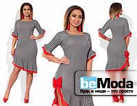 Необычное женское батальное платье с квадратным вырезом, ассиметрией по краю низа и декором из шифона черно-серое с красным