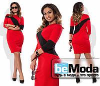 Элегантное женское облегающее платье больших размеров с контрастной вставкой красное
