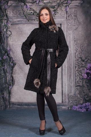 Модное пальто из натурального каракуля под пояс