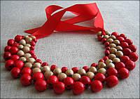 """Намисто """"Кольє"""" дерев'яне червоно-біле на зав'язці із червоної стрічки"""