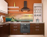 Стеклянный фартук на рабочую поверхность кухни