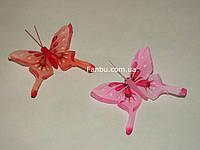Набор декоративных бабочек из перьев на магните 2 шт. (красная и розовая)