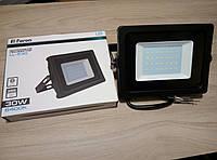 Светодиодный прожектор 30W Feron LL-530