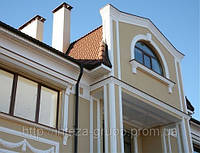 Монтаж фасадной декоративной лепнины