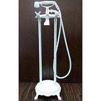 Напольный смеситель для ванны Atlantis 3011 цвет белый