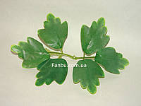 Искусственные парные листья смородины осветленные, на 1 розетке 2 листа