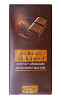 Молочный шоколад со вкусом карамели c солью 95 г Германия