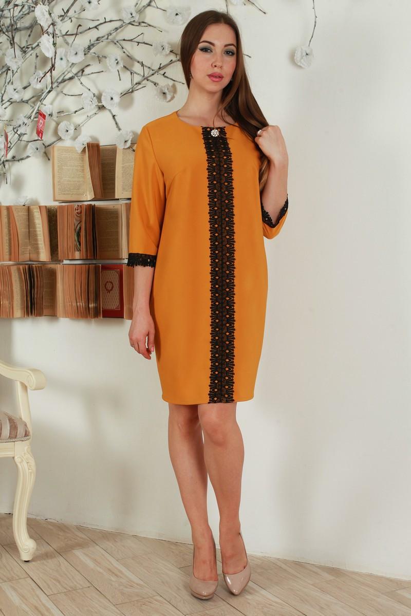 Стильное однотонное платье с контрастной кружевной вставкой