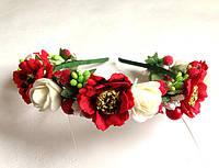 Обруч веночек ручной работы с маками и белыми розами (зеленые ягодки)