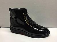 Женские лаковые черные ботинки на шнурках. Украина