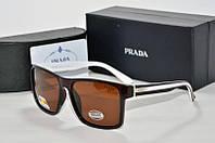 Солнцезащитные очки прямоугольные Prada коричневые с белым